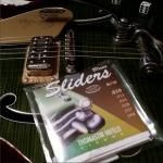 G6120SSU Brian Setzer Nashville w/ THomastik Blues Sliders